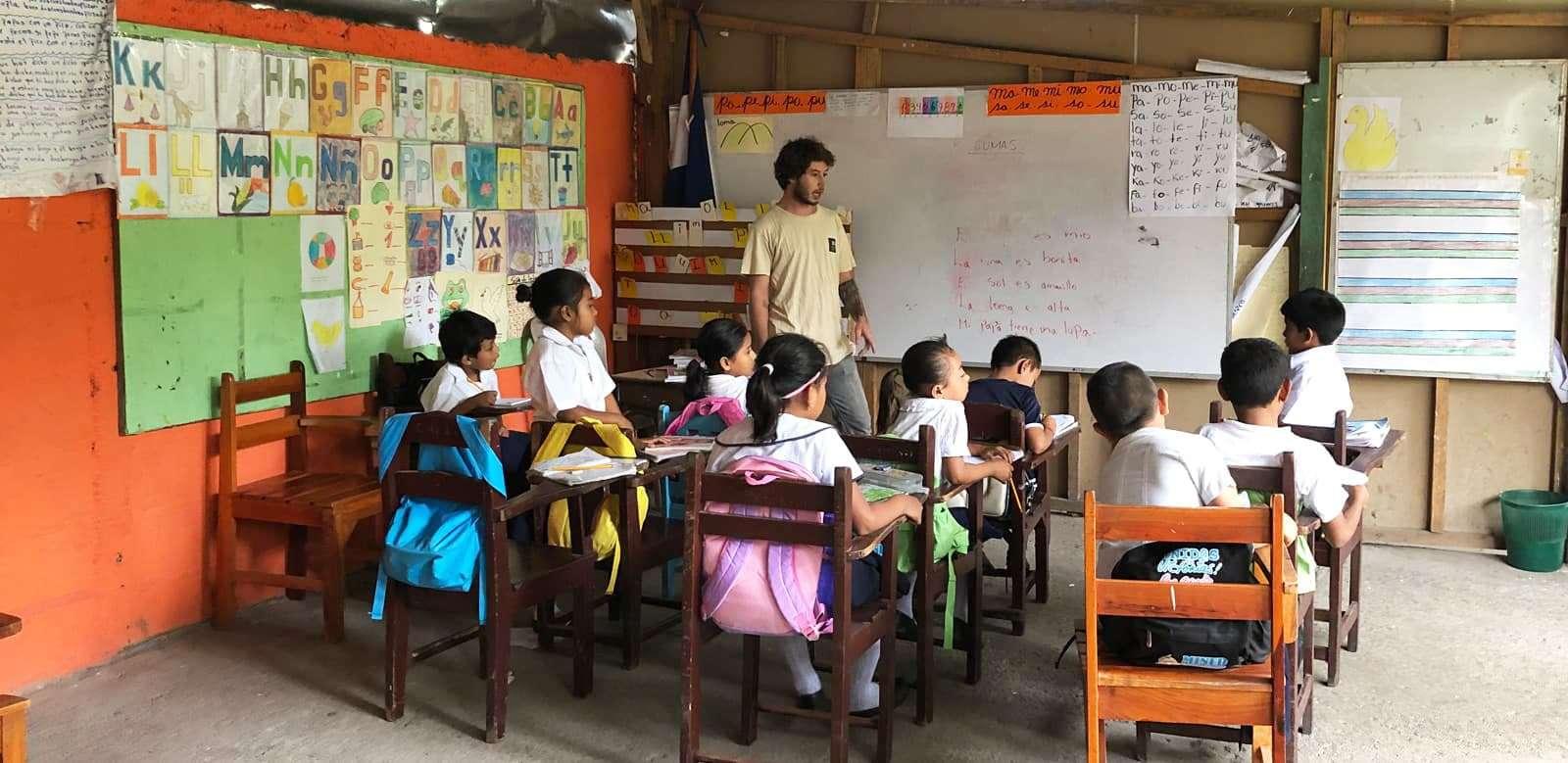 Voluntariado Nicaragua - Voluntario Clase